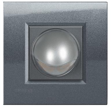 Imagen lámpara direccional 360º interruptores de diseño Bticino