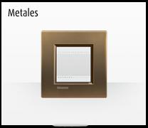 Serie de mecanismos  e interruptores LIVINGLIGHT de BTicino. Acabados Metales